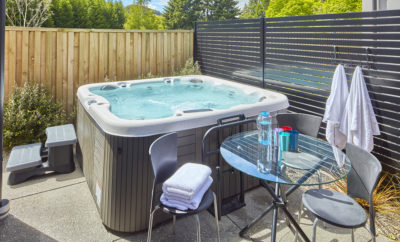 Arthurs Point Retreat – with hot tub